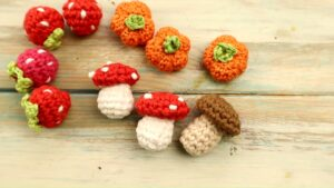 Crochet Miniature Mushroom Amigurimi pattern