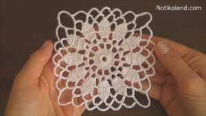 Crochet flower motif