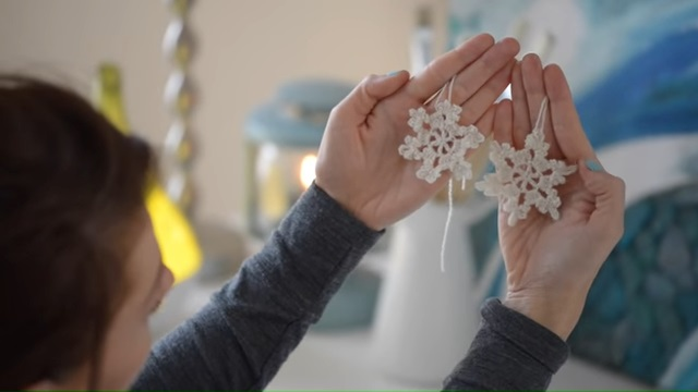 Crochet Snowflake Christmas Decoration free
