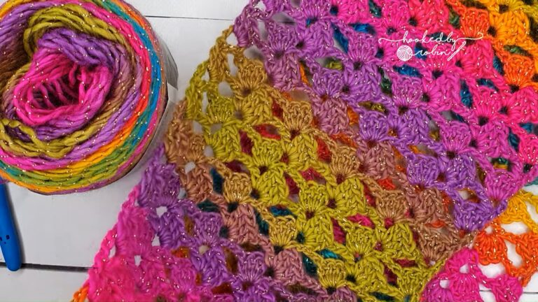 Crochet Easy Scarf Cowl (One Row Repeat)