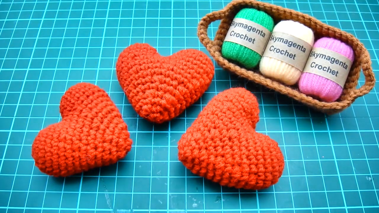 Easy Crochet Amigurumi Tutorial – Heart Love
